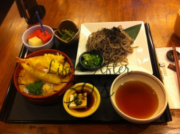 Cold soba with fried tempura